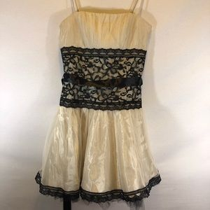 Jessica McClintock Gunne sax cream cocktail dress